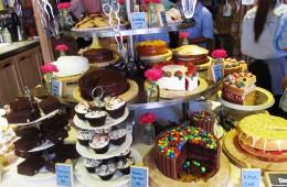Mr Jones' Orphanage Cake Shop - At Sukhumvit